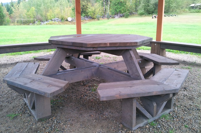 6_picnic_table