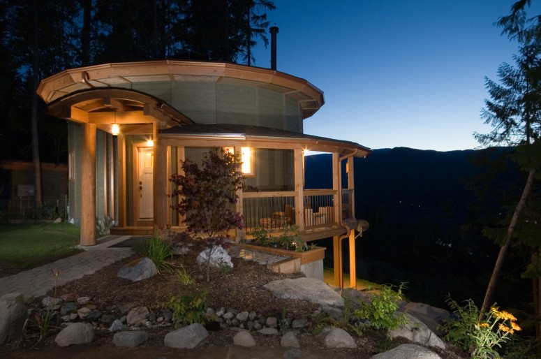 Tiny Home Designs: Mandala Homes - Prefab Round Homes